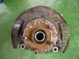 CLEAN  USED AND WELL KEPT WHEEL HUB
