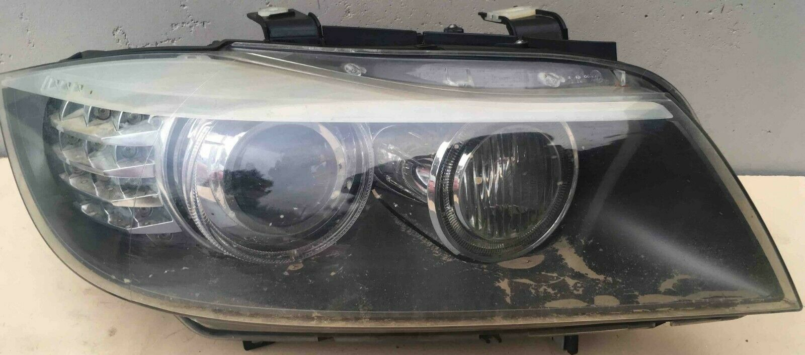 BELGIUM USED FRONT HEADLIGHT(SET)BMW e91 2008 model