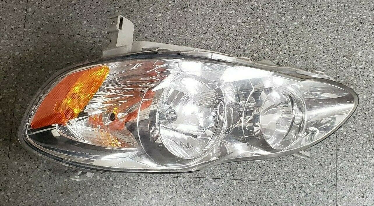 AMERICAN USED COROLLA 2005 HEADLIGHT SET