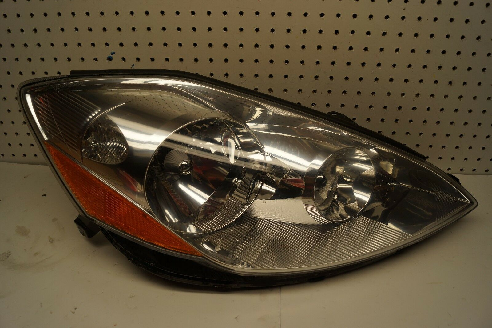 CLEAN USED SIENNA 2006 HEADLIGHT SET