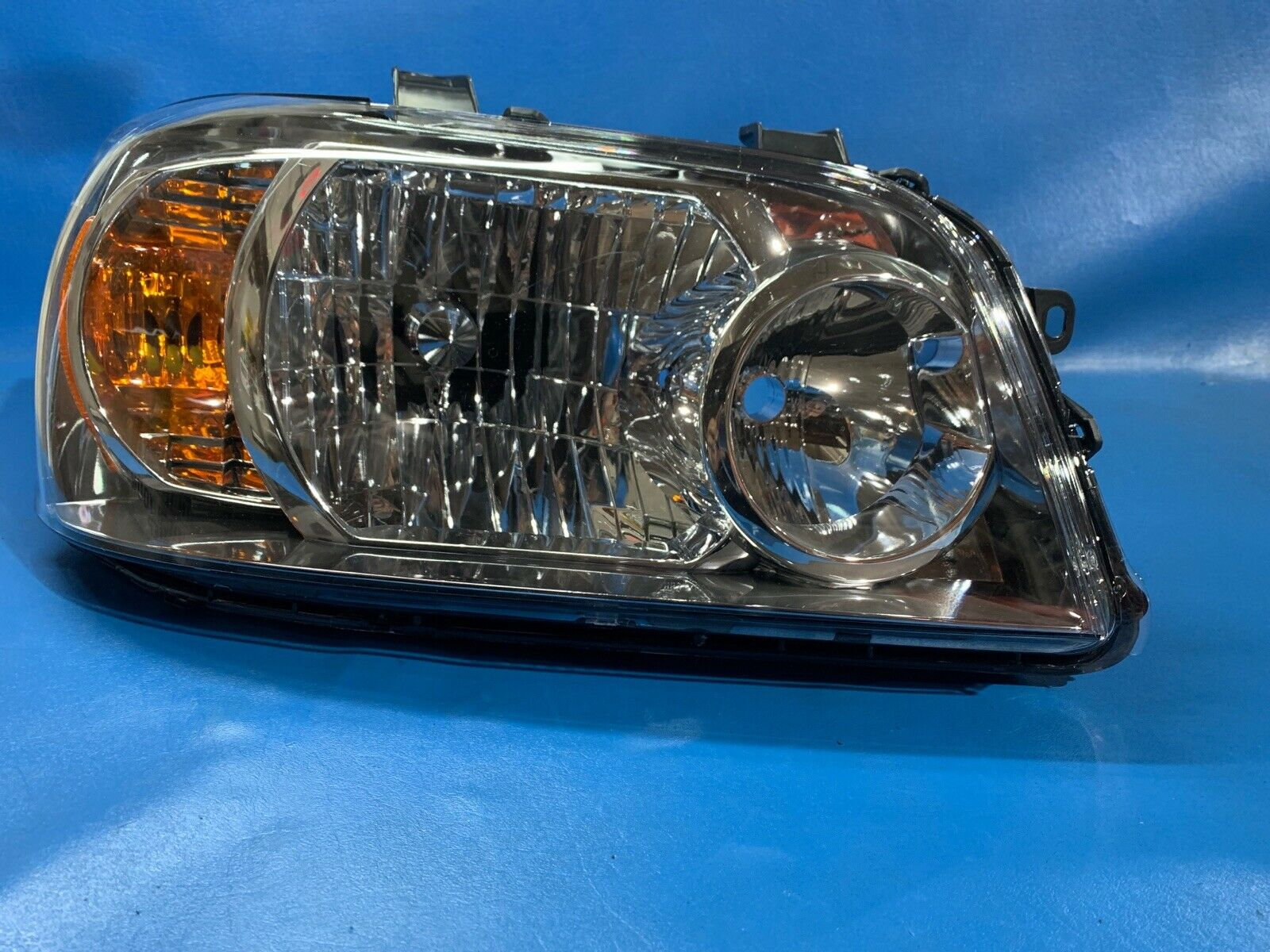 EUROPE USED HIGHLANDER 2005 HEADLIGHT SET