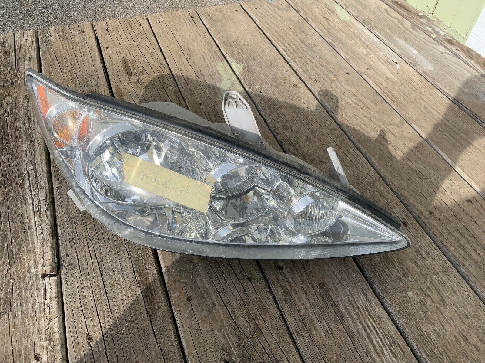 CLEAN USED CAMRY 2005 HEADLIGHT SET