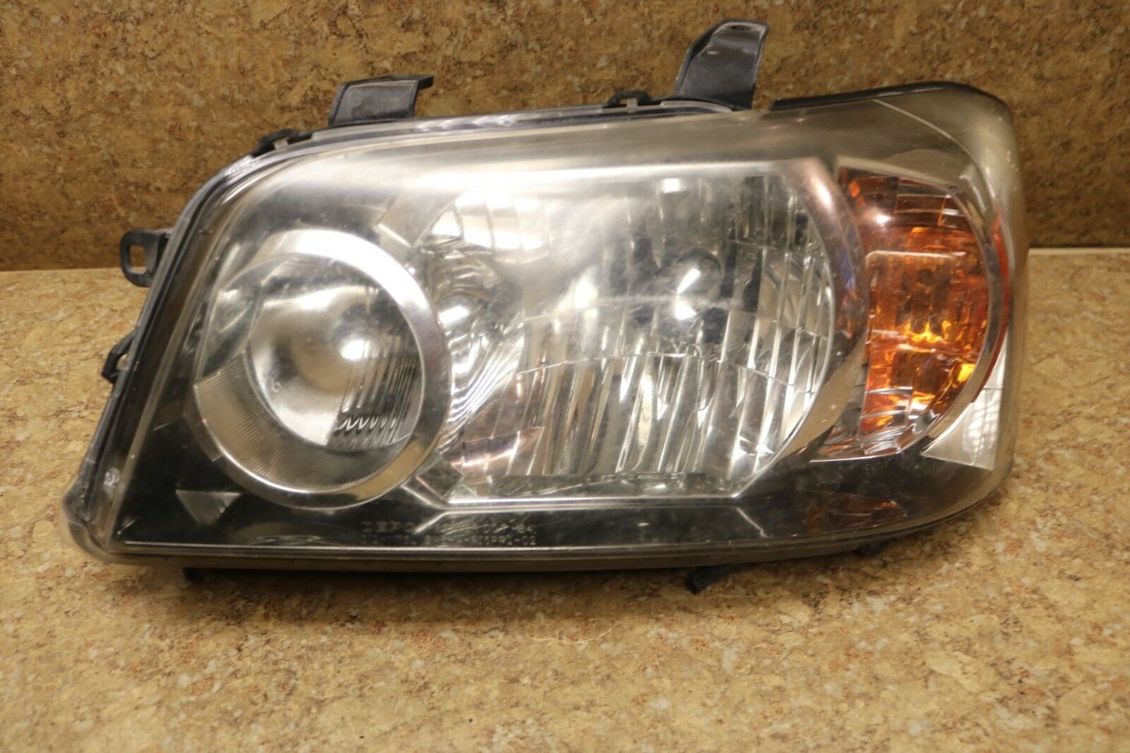 CLEAN USED HIGHLANDER 2006 HEADLIGHT SET