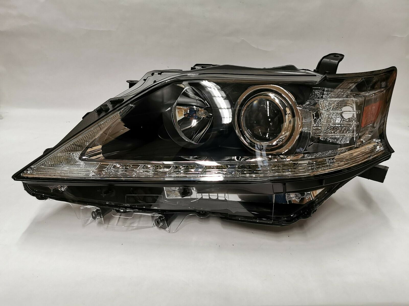 CLEAN AND TESTED HEADLIGHT
