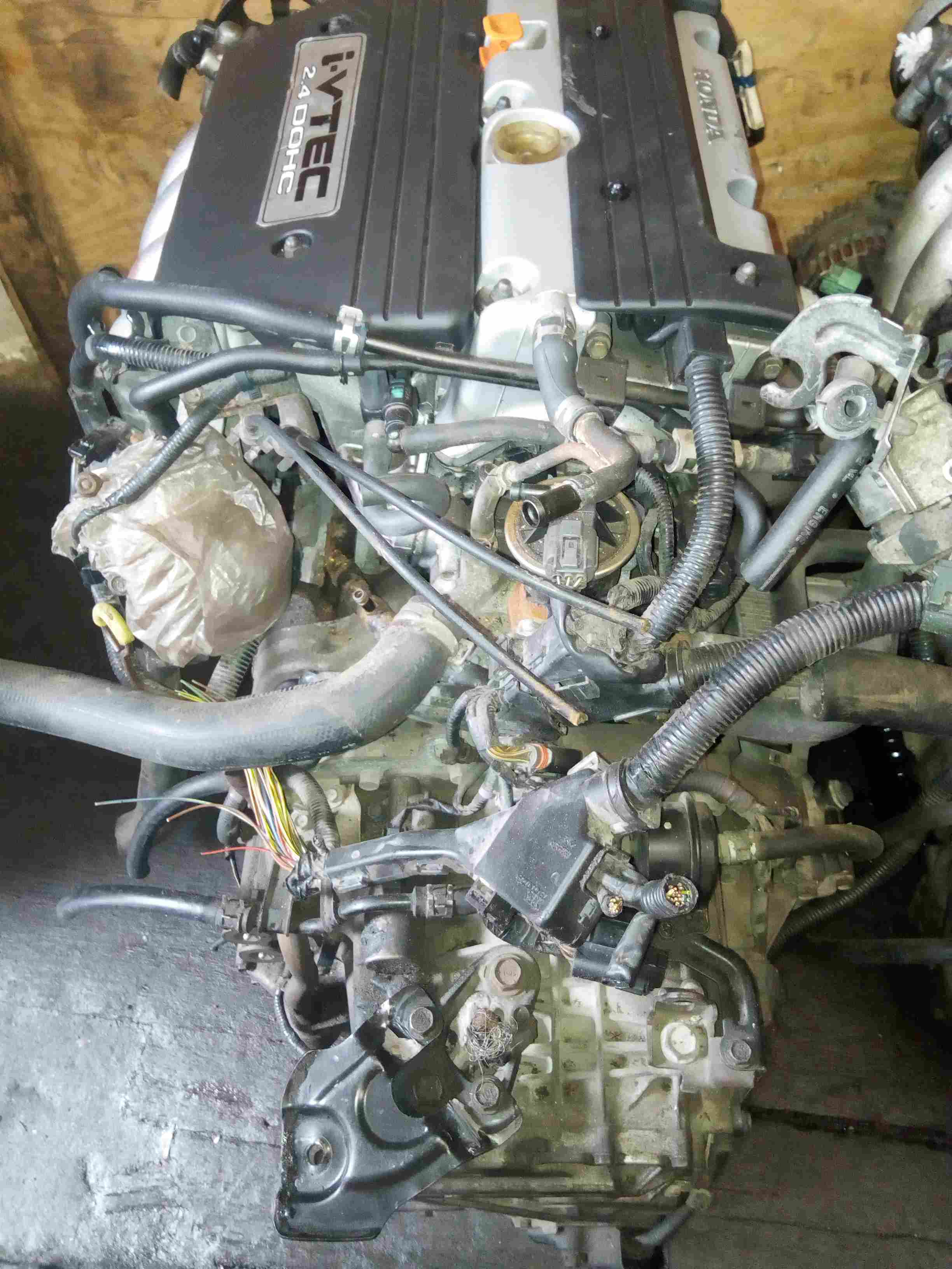 TOKUNBO USED ENGINE WITH GEARBOX