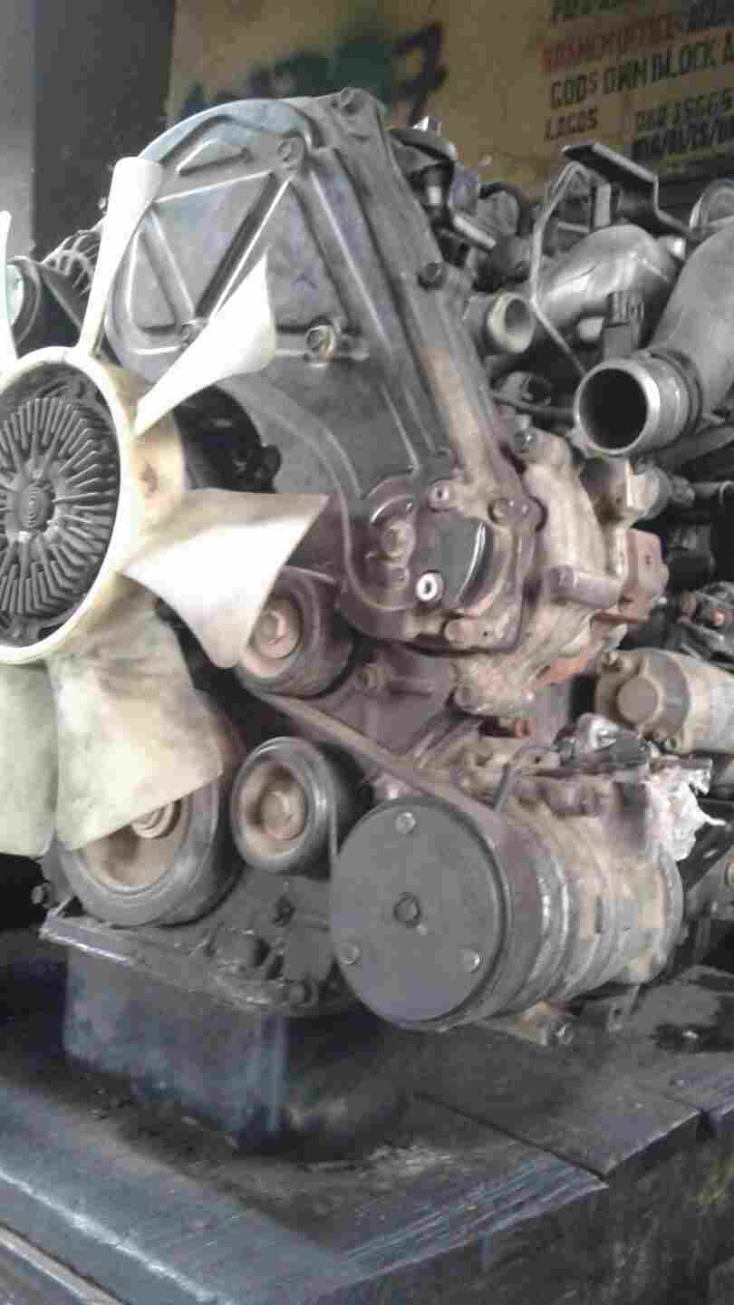 AMERICAN USED ENGINE  H1 WITH  GEAR BOX