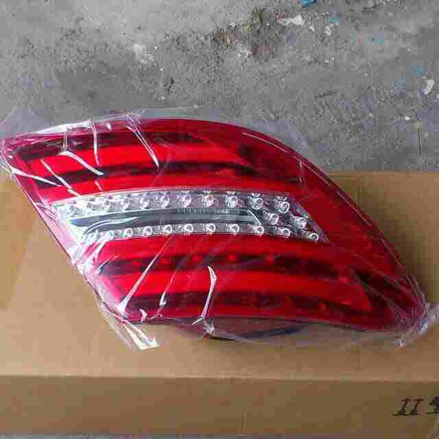 NEW Tail Light -  Mercedes Benz 2012-2014 C250, 2012-2014 C300, 2012-2014 C350, 2012-2014 C63 AMG, Mercedes-Benz 2012 C 180
