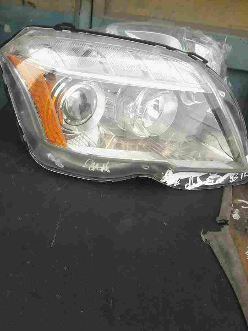 CLEAN USED GLK 350 2010 HEADLIGHT SET