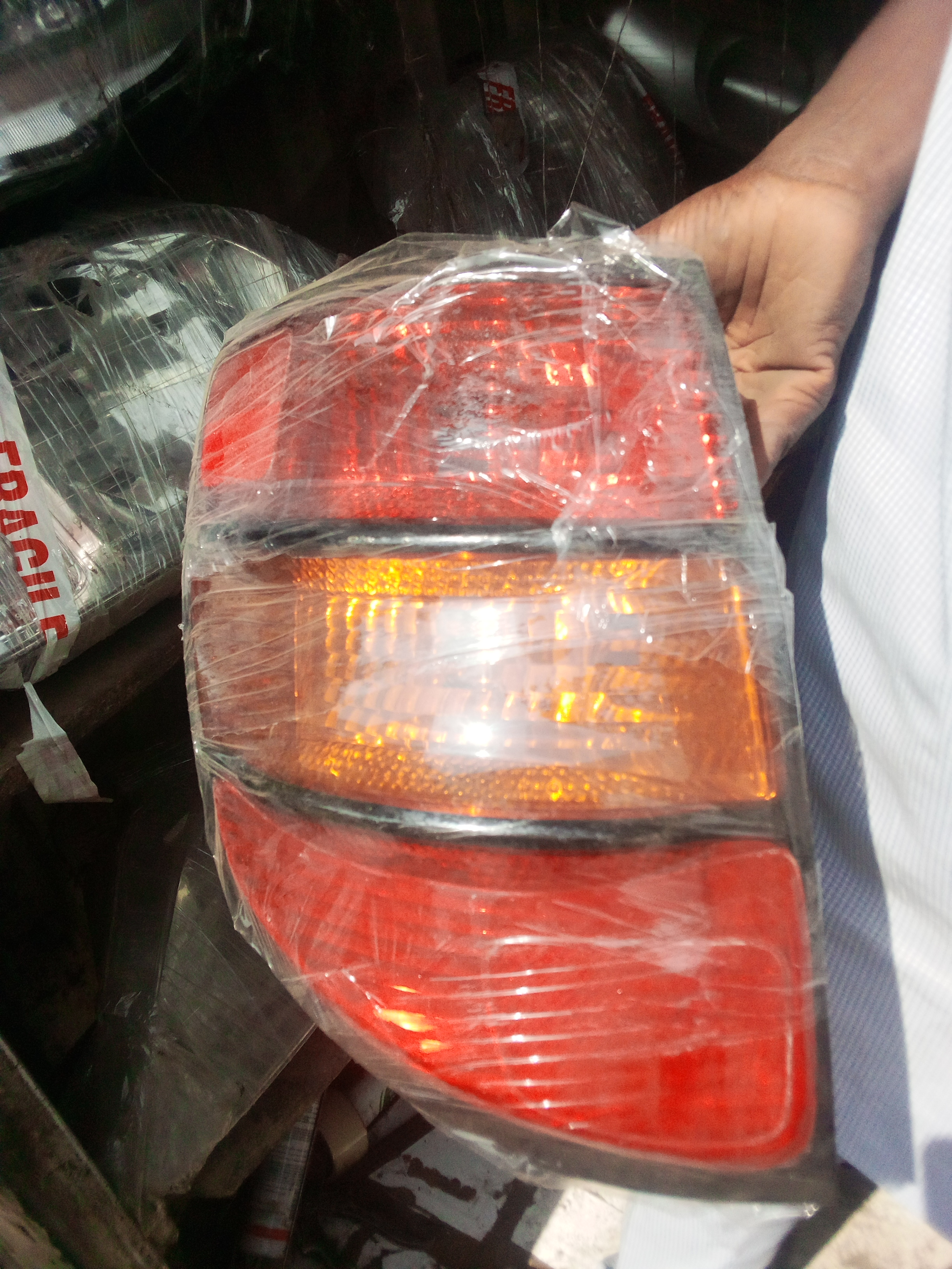 AMERICAN USED COROLLA HEADLIGHT SET