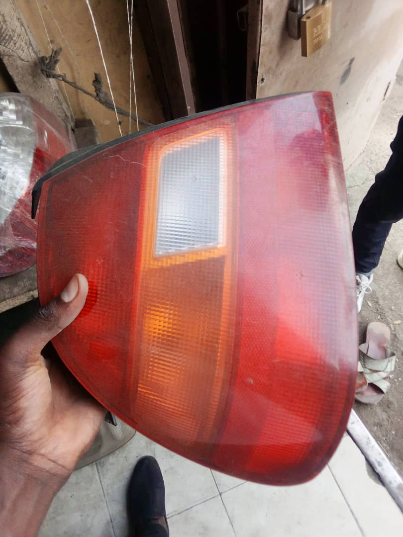 CLEAN USED GOLF TAIL LIGHT