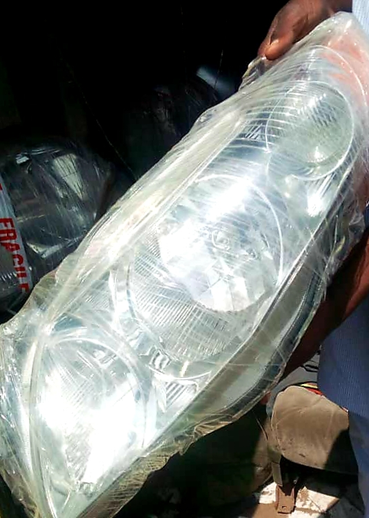 CLEAN USED CAMRY HEADLIGHT