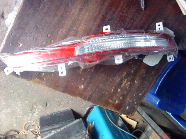 NEW GENUINE SPORTAGE BUMPER REFLECTOR