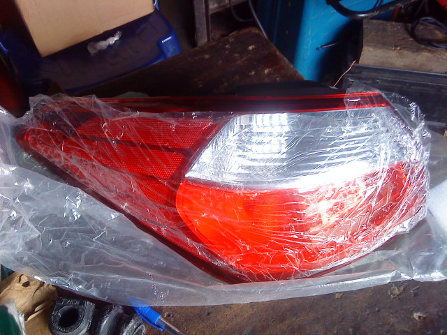 NEW ORIGINAL CERATO REAR LIGHT SET