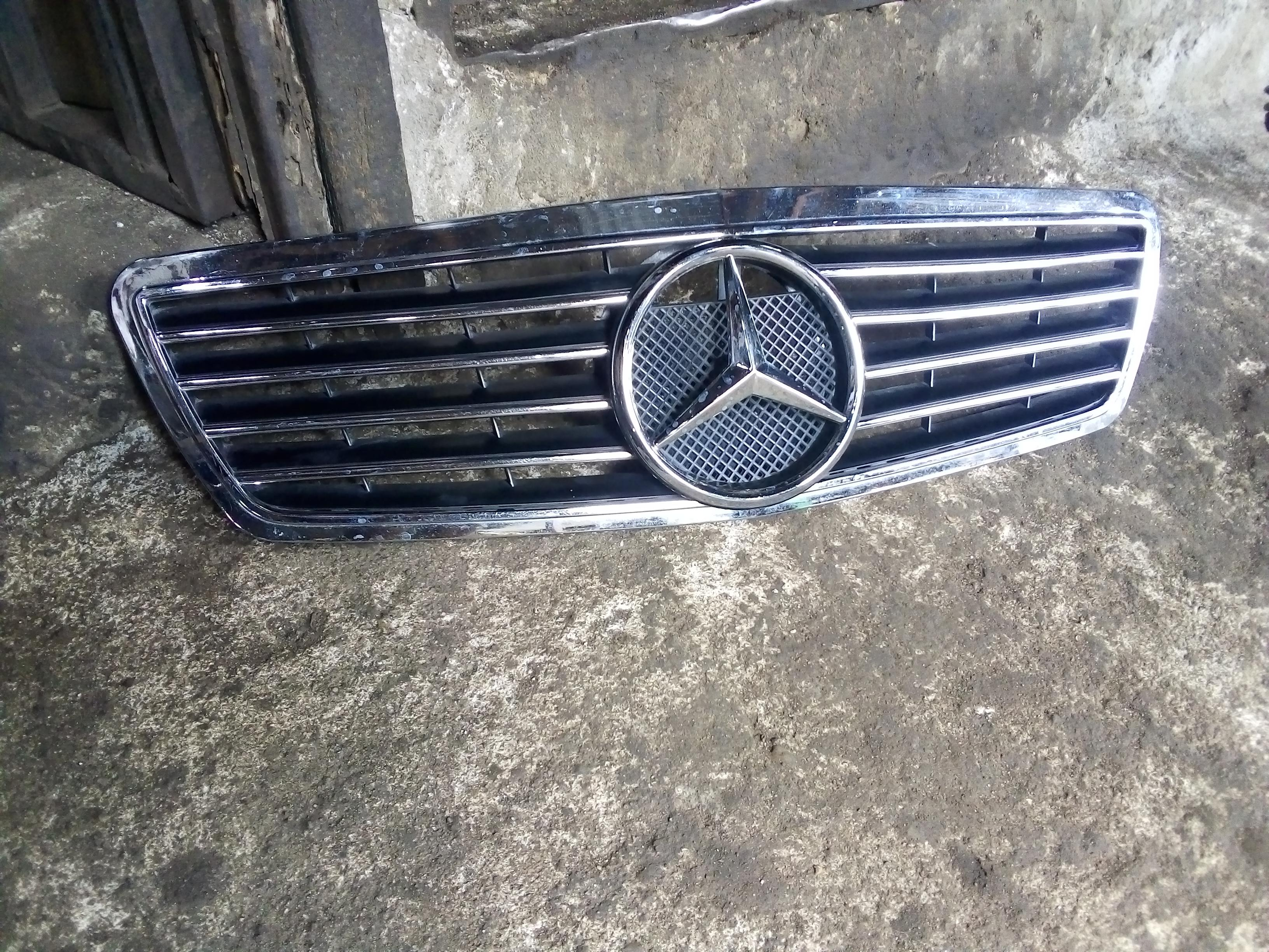 FAIRLY USED FRONT GRILLE