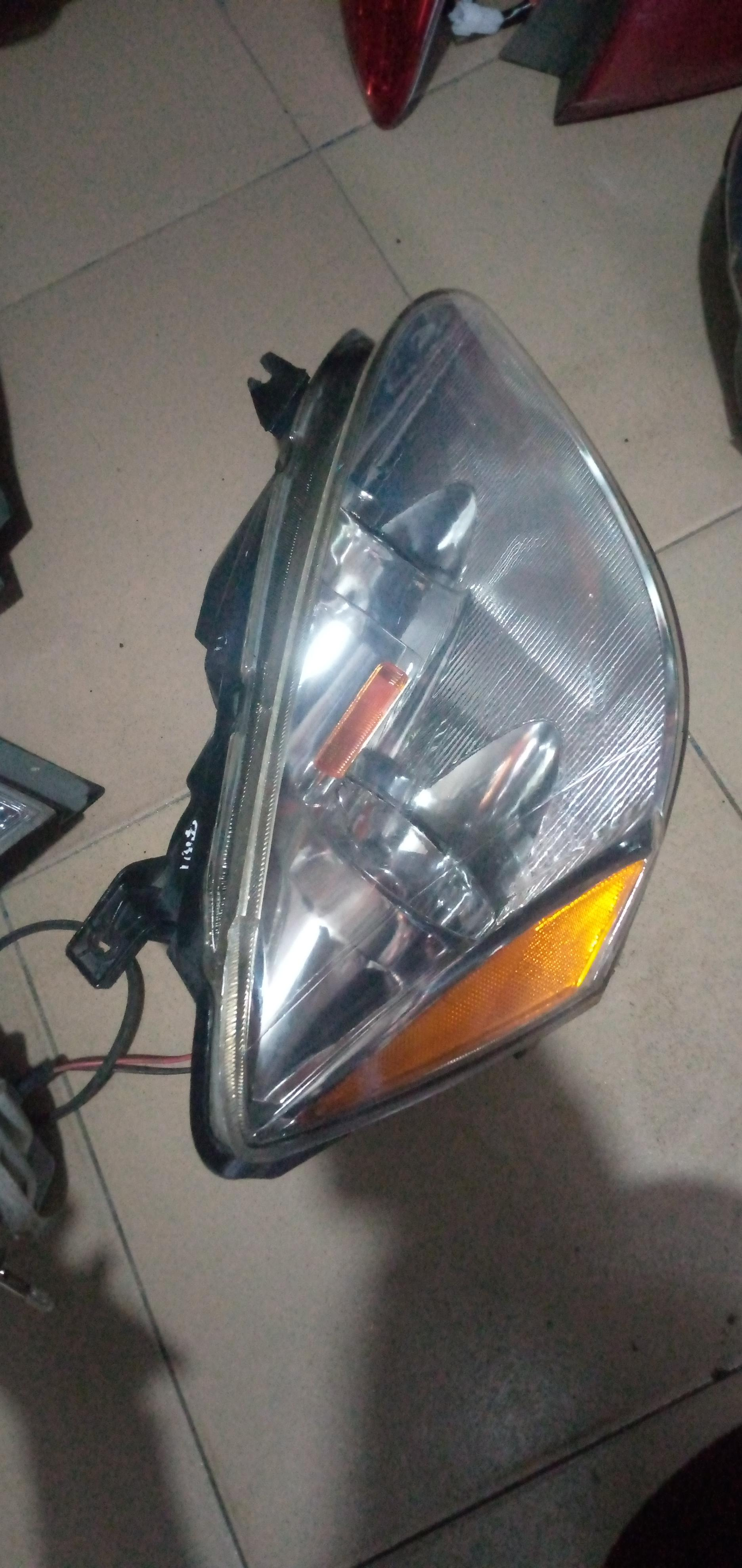 AMERICAN USED ALTIMA HEADLIGHT SET
