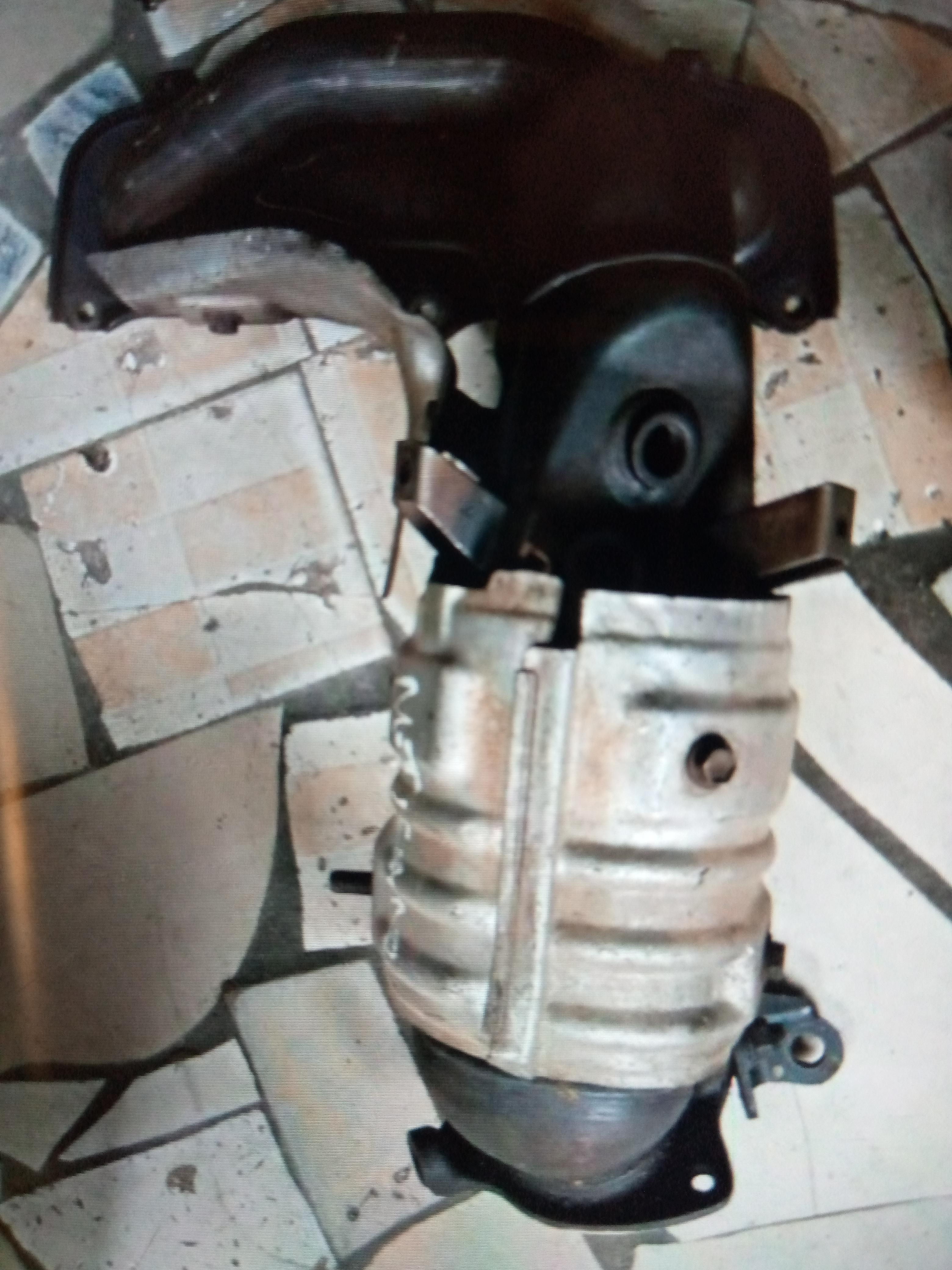 CLEAN USED CATALYTIC CONVERTER