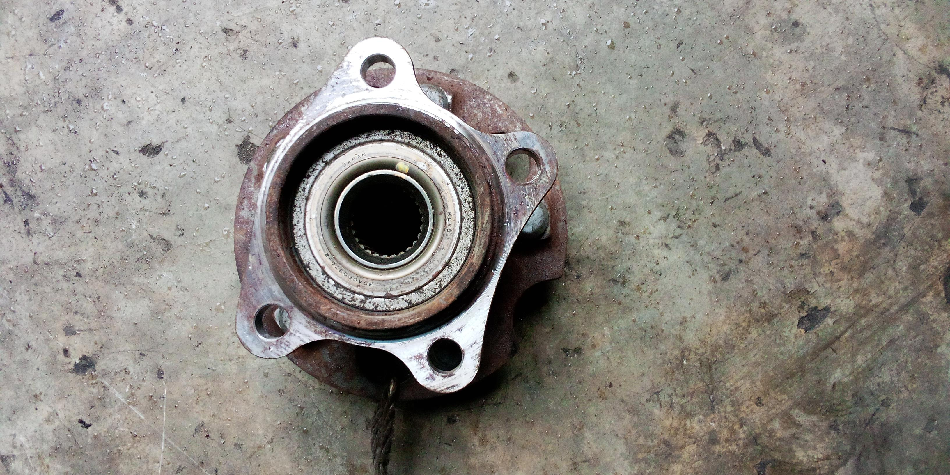 CLEAN USED BACK WHEEL HUB BEARING