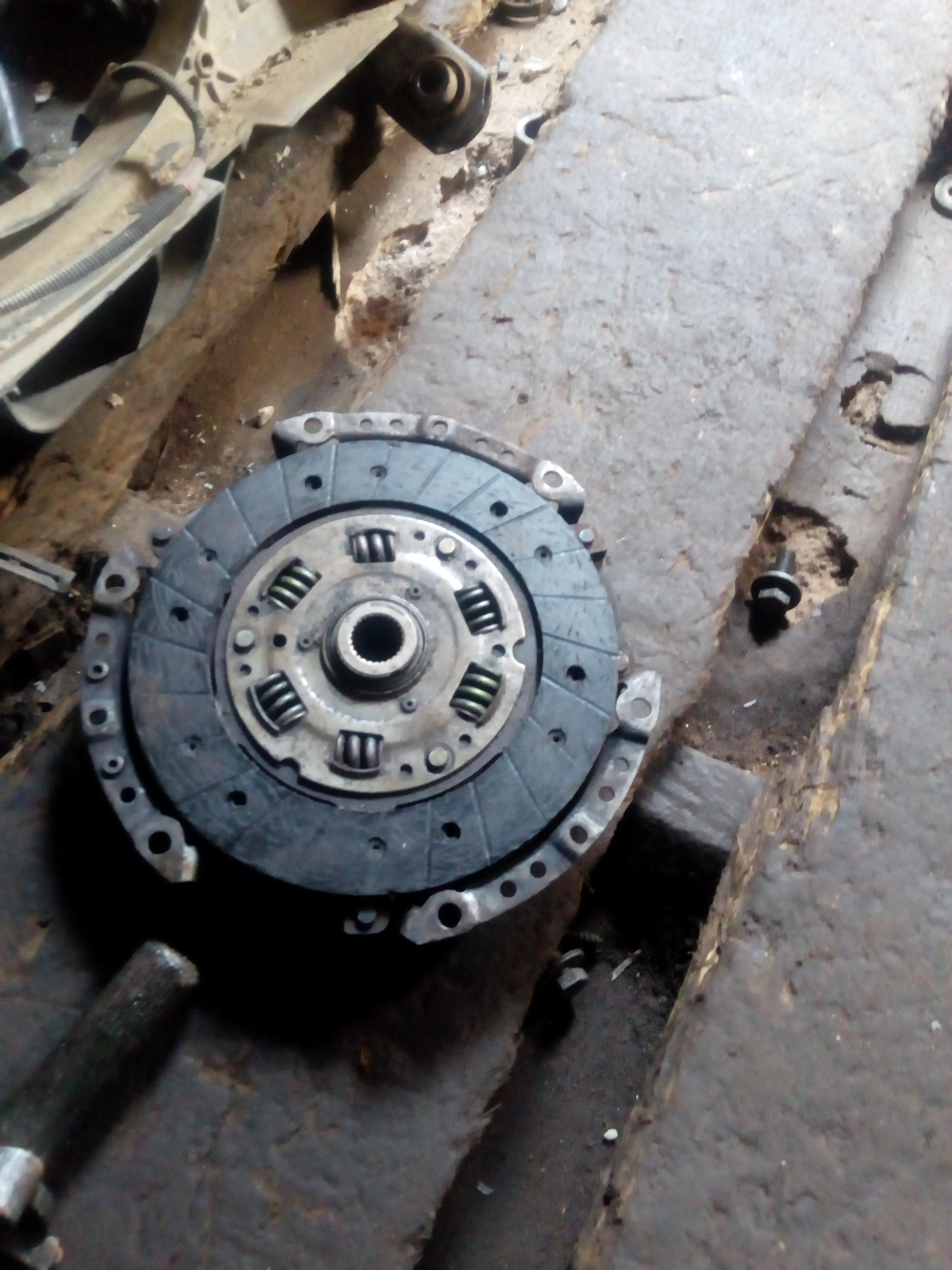 CLEAN USED CLUTCH DISC AND PLATE