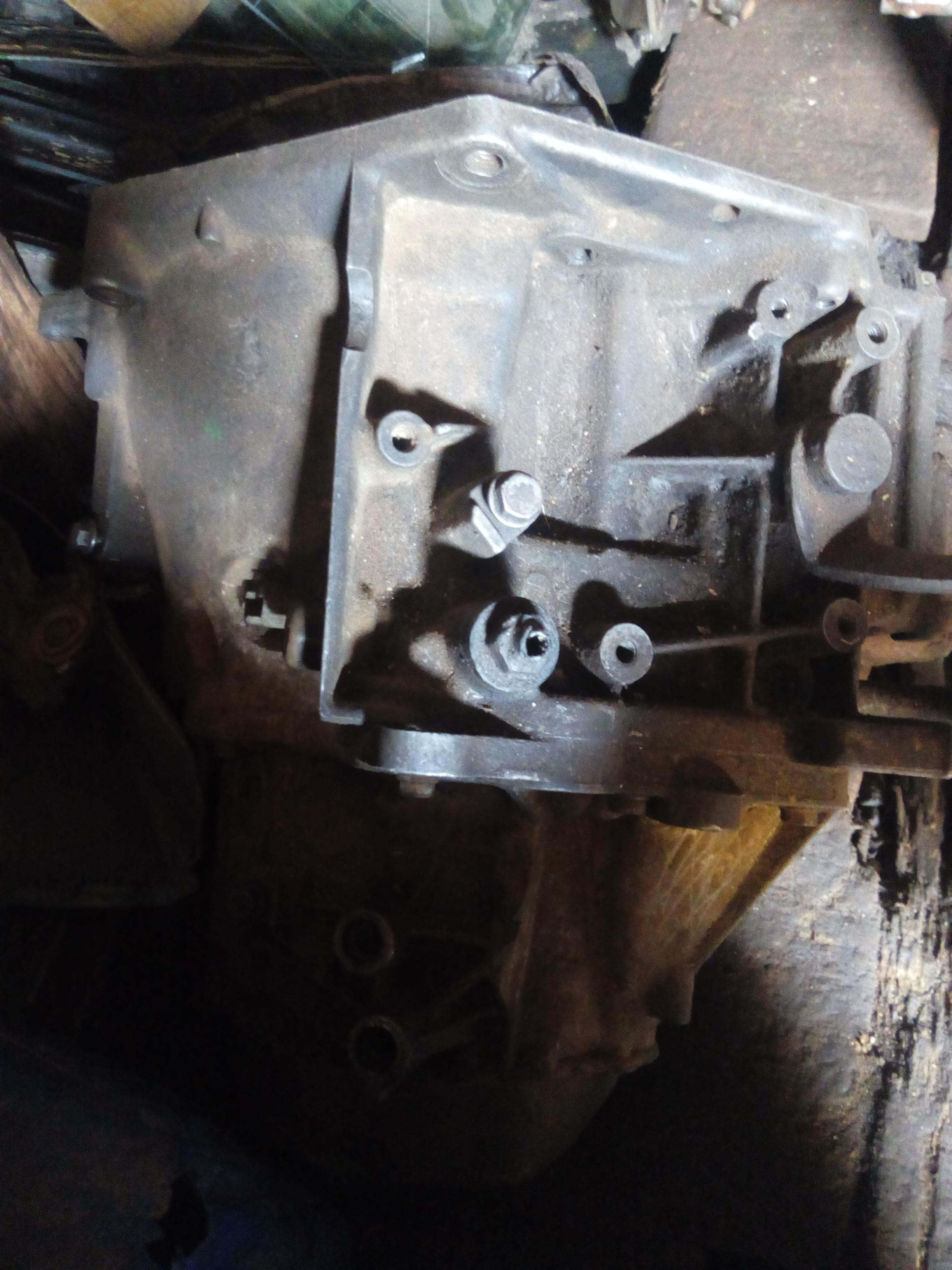 TOKUNBO USED COMPLETE GEARBOX