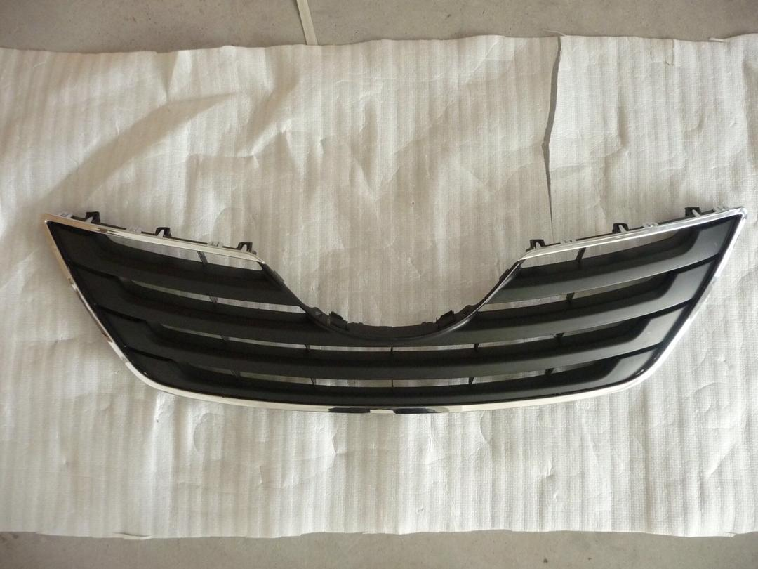 USED Grille -  Toyota 2012 Corolla, 2015 Sienna